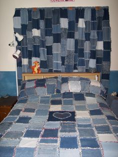 Denim rag quilt, pillow shams and curtains. Great for the grandies bedroom at Grumps & Grannys Old Jeans Recycle, Diy Old Jeans, Rag Quilt, Quilt Pillow, Pillow Shams, Denim Curtains, Blue Jean Quilts, Bedding Inspiration, Denim Ideas