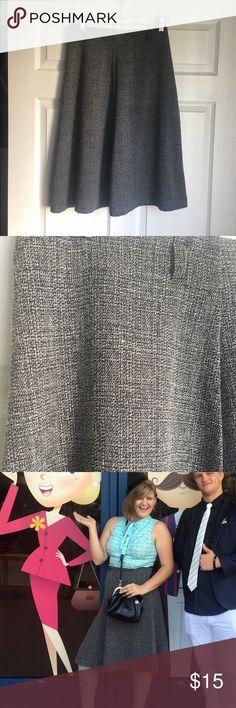 Grey Tweed Midi Skirt Cute skirt with belt loops. Skirts Midi