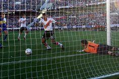 2004 - Gol de Cuevas (River 2 - Boca 0)