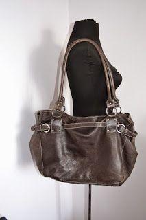 Handmade, Vintage - Pixalia - haine si accesorii faine: REDUCERE !!! Geanta din piele naturala L. Credi