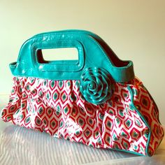🎨Vera Bradley Frill Got it Handled VB-Got it Handled bag in Call Me Coral. ❗️This bag has surface imperfections. Marks/ pen/and slight stain on exterior: front, bottom, inside of handles.❗️ please refer to pics. Bag is still structurally sound and zipper is fine. It's been loved but is still beautiful & fabulous! It's not so bad that it can't still be used. I wouldn't sell something junkie or gross. Ask questions if seriously considering purchase! Vera Bradley Bags
