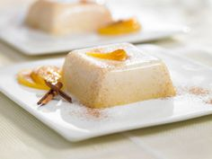Recipes - Honey peach panna cotta - Heart and Stroke Foundation of Canada Dessert Simple, Dessert Light, Heart Healthy Desserts, Desserts To Make, Chocolate Panna Cotta, Gourmet Recipes, Dessert Recipes, Dessert Original, Canned Peaches