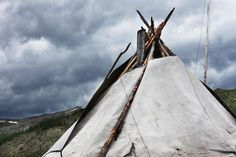 Toit du tipi, tsaatan - photo by Kares Le Roy