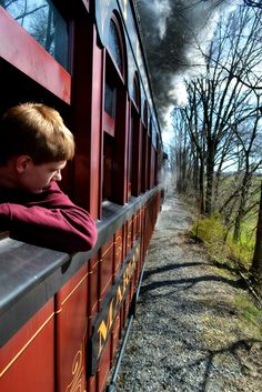 train in Lancaster, Pa - BEAUTIFUL SCENERY & ASSUME RESTORED RAIL CARS,  ESP THE PULLMAN