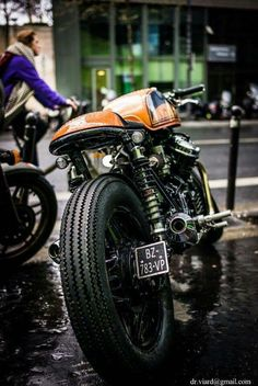 Have a look at just a few of my favorite builds - handpicked scrambler motorcycles like this Vintage Cafe Racer, Custom Cafe Racer, Cafe Racer Build, Vintage Bikes, Vintage Motorcycles, Moto Cafe, Cafe Bike, Cafe Racer Bikes, Cx500 Cafe Racer