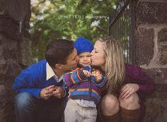 Small Family Photography - portraits with a little one, one child, two parents, winter pictures.  PHILTER   photography