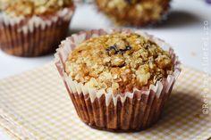 MUFFINS CU BANANE SI FULGI DE OVAZ - Rețete Fel de Fel Muffins, Deserts, Breakfast, Food, Banana, Bebe, Morning Coffee, Postres, Essen