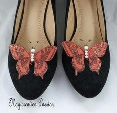 clips chaussures papillons soie marron, corps de  perles, modèle Maéva Clip, Chanel Ballet Flats, Flip Flops, Sandals, Shoes, Jewelry, Women, Fashion, Butterfly Shoes