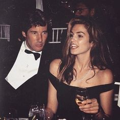 Richard Gere and Cindy Crawford. ⠀⠀⠀⠀⠀⠀⠀⠀⠀⠀⠀⠀ ⠀⠀⠀⠀⠀⠀⠀⠀⠀⠀⠀⠀ ⠀⠀⠀⠀⠀⠀⠀⠀⠀⠀⠀⠀ Hollywood star Richard Gere with his real-life pretty woman,… Cindy Crawford, Richard Gere, 90s Fashion, Vintage Fashion, Fashion Forms, Couture Fashion, Fashion Clothes, Korean Fashion, Fashion Brands