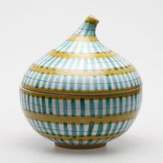 Stig Lindberg's Art Pottery Pots, Ceramic Pottery, Glass Ceramic, Ceramic Art, Century Textiles, Stig Lindberg, Nordic Home, Black And White Painting, Vase