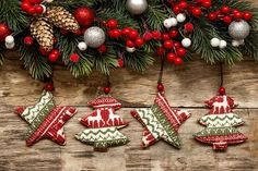Christmas Wreaths, Christmas Cards, Christmas Decorations, Christmas Ornaments, Holiday Decor, Facebook Cover Images, Theme Background, Decoupage, Wallpaper