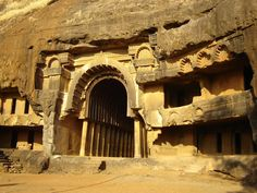 India Architecture, Historical Architecture, Ancient Architecture, Monuments, Visit Iran, Verde Neon, Ancient Buildings, House On The Rock, Building Structure