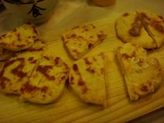 THE best naan recipe available for Thermomix. Get your naan on! Thermomix Bread, Recipes With Naan Bread, Bellini Recipe, Naan Recipe, Daal, Greek Yoghurt, Lentils, Indiana, Curry