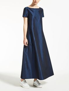 "Linen, silk and viscose dress, cornflower blue - ""AUGUSTA"" Max Mara Source by ntaweesri vestito Party Dresses For Women, Day Dresses, Summer Dresses, Frock Fashion, Fashion Dresses, Linen Dress Pattern, African Maxi Dresses, Viscose Dress, Looks Chic"