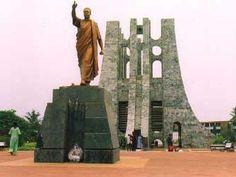 Monumento a  Kwame N'krumah en Accra, Ghana.- El Muni.
