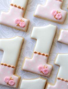 Pink Cake Pedestal Birthday Cookies One Dozen von thesweetesttiers First Birthday Cookies, Baby Girl First Birthday, First Birthday Parties, First Birthday Favors, Birthday Ideas, Royal Icing Cookies, Cupcake Cookies, Sugar Cookies, Teacup Cookies