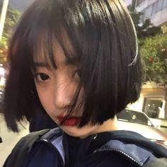 Girl Short Hair, Short Girls, Korean People, Cute Woman, Ulzzang Girl, Aesthetic Girl, My Girl, Short Hair Styles, Female