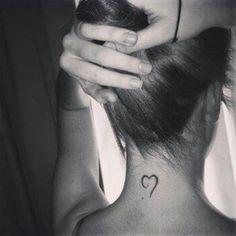 Little nape tattoo of a heart on Lurdes Correderas.