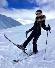 Stylish skiing looks – Famous Last Words Ski And Snowboard, Snowboarding, Mode Au Ski, Skiing Quotes, Ski Bunnies, Ski Girl, Snow Outfit, Ski Wear, Ski Fashion