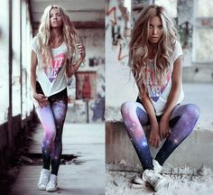 How To Wear White High Top Sneakers With a White Crew-neck T-shirt -- Women's White Print Crew-neck T-shirt, Multi colored Print Leggings, White High Top Sneakers Galaxy Pants, Galaxy Leggings, Printed Leggings, Fashion Kids, Love Fashion, Girl Fashion, Womens Fashion, Sport Fashion, White High Top Sneakers