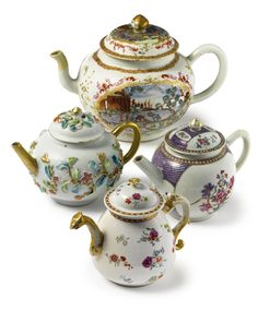 A GROUP OF FOUR CHINESE EXPORT PORCELAIN TEAPOTS AND COVERS QING DYNASTY, 18TH CENTURY