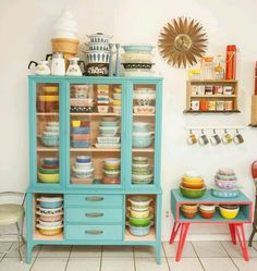 I need to find one of those small tables with the bright red legs for my Pyrex collection! 😍