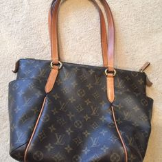 Louis Vuitton Totally PM bag Pre owned. Straps are worn. Authentic bag- no dust bag included. Louis Vuitton Bags Shoulder Bags