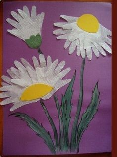 Flowers from handprints - Easy Crafts for All Daycare Crafts, Paper Crafts For Kids, Toddler Crafts, Footprint Crafts, Handprint Art, Spring Art, Mothers Day Crafts, Summer Crafts, Art Activities