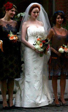 Christina Hendricks wore a gorgeous Carolina Herrera gown when she married Geoffrey Arend.