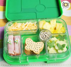 Yumbox packed lunch from Jill @ http://www.meetthedubiens.com/