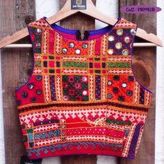 katchi Work Desinger blouse for Women Up ForTeens Designer Blouse Patterns, Saree Blouse Patterns, Saree Blouse Designs, Blouse Styles, Navratri Dress, Choli Designs, Mehndi Designs, Indian Blouse, Indian Designer Wear