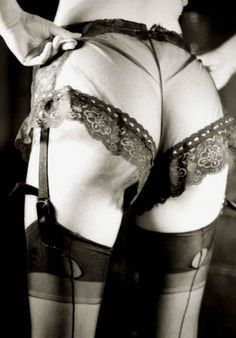 Sexy lingerie photos and videos. Join our lingerie fetish community. Lingerie Retro, Lingerie Fine, Classic Lingerie, Nylons, Retro Mode, Mode Vintage, 1930s Fashion, Vintage Fashion, Marcel Rochas