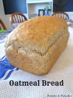 Oatmeal Bread - Super easy no-fail recipe that makes the BEST toast on the planet.Oatmeal Bread - Super easy no-fail recipe that makes the BEST toast on the planet. Bread And Pastries, Bread Bun, Bread Rolls, Yeast Rolls, Oatmeal Bread Recipe, Oatmeal Pancakes, Oatmeal Recipes, Multigrain Bread Recipe, Rolled Oats Recipe