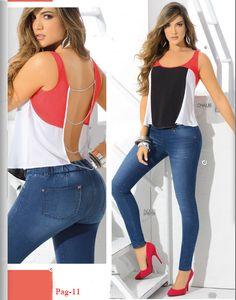ccd76f876f649 Blusa sexy en bloques de color con espalda calata. Moda juvenil para el  verano Blusa