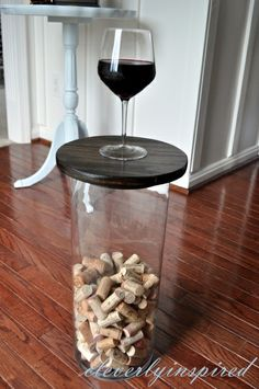 Large Vase becomes a table* love this idea...top is a DIY