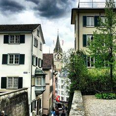 Züri old Town #lindenhofplatz #altstadt #swiss #switzerland #zurich #zürich #zuerich  M Y  H A S H T A G :: #pdeleonardis C O P Y R I G H T :: @pdeleonardis C A M E R A :: iPhone6  #visitzurich #ourregionzurich #Zuerich_ch #igerzurich #Züri #zurich_switzerland #ig_switzerland #visitswitzerland #ig_europe #wu_switzerland #igerswiss #swiss_lifestyle #aboutswiss #sbbcffffs #ig_swiss #amazingswitzerland #loves_switzerland #switzerland_vacations #pictureoftheday #picoftheday #bestoftheday…
