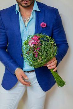 Bridal bouquet with orchids - Madagascar Orchid Flower Arrangements, Beautiful Flower Arrangements, Floral Bouquets, Beautiful Flowers, Floral Centerpieces, Diy Wedding Flowers, Bridal Flowers, Wedding Bouquets, Deco Floral