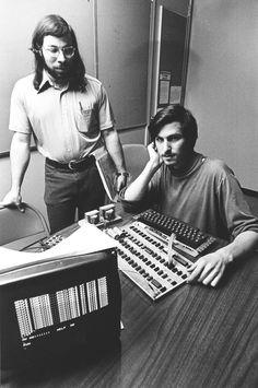 Steve Jobs Apple, Computer Technology, Computer Programming, Energy Technology, Technology Gadgets, Steve Jobs Steve Wozniak, All About Steve, Radio Usa, Business Management