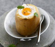 Rezept: Gefüllte Kartoffel mit Spiegelei und Ziegenkäse bei for me | rezepte | formeonline
