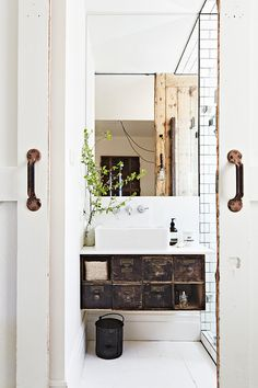 A RESTORED COUNTRY COTTAGE IN AUSTRALIA | THE STYLE FILES