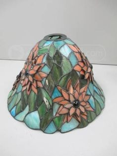 shopgoodwill.com: Dale Tiffany Stained Glass Flower Lampshade