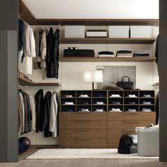 Kl d dit sovev relse p i en elegant ben stil walk in - Comment bien ranger son armoire ...