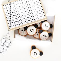 kawaii panda cookies.