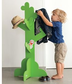 P'kolino Little One's Clothes Tree -  This sturdy little tree is great from nursery (blankets, nursing pillows and more) to kids room (clothes, backpack and more).    Available in Green, White, Orange and Natural.