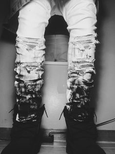 #jean #ripped #white #gradient #shoes #sit