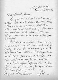 """Uma mensagem de aniversário escrita por Johnny Cash para sua amada esposa June, em 1994, foi eleita a mais bela carta de amor de todos os tempos. Seu conteúdo? A simplicidade de um amor massivo, sincero e companheiro. Confira a tradução da carta:  """"Feliz aniversário, Princesa Ficamos velhos e nos acostumamos um com o outro. Pensamos parecido. Lemos a mente um do outro. Sabemos o que o outro quer sem perguntar. Às vezes, nós irritamos um ao outro um bocado. Talvez, algumas vezes, tratamos um…"""