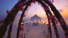 Romantik bir kaçamak için... Ayrıntılı bilgi için web sitemizi ziyaret edebilirsiniz: http://www.maldiveclub.com/anantara-dhigu-maldivler