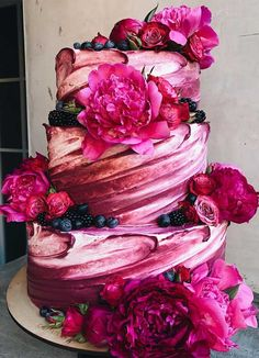 The 50 Most Beautiful Wedding Cakes Need some inspiration for your cake design?Check out our best wedding cake ideas to get inspiration – From metallic accents and fresh flowers to intricate details, we rounded up. Elegant Wedding Cakes, Cool Wedding Cakes, Beautiful Wedding Cakes, Gorgeous Cakes, Wedding Cake Designs, Pretty Cakes, Amazing Cakes, Rustic Wedding, Diy Wedding
