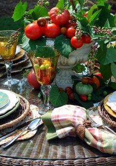 A tomato table.... with a tomato centerpiece. Genius