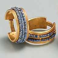 Beaded Penannular Earring -  Period: New Kingdom - Dynasty: Dynasty 18 - Reign: reign of Ahmose–Thutmose III -  Date: ca. 1550–1425 B.C. Egypt Jewelry, Jewelry Art, Antique Jewelry, Gold Jewelry, Emerald Jewelry, High Jewelry, Crystal Jewelry, Jewlery, Ancient Egyptian Jewelry